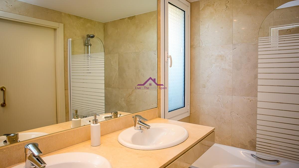 Manilva, Spain, 2 Bedrooms Bedrooms, ,2 BathroomsBathrooms,Apartment,For Rent,1120