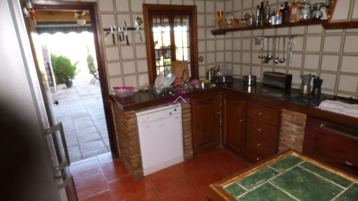 Alhaurin El Grande,Spain,4 Bedrooms Bedrooms,4 BathroomsBathrooms,Villa,1121
