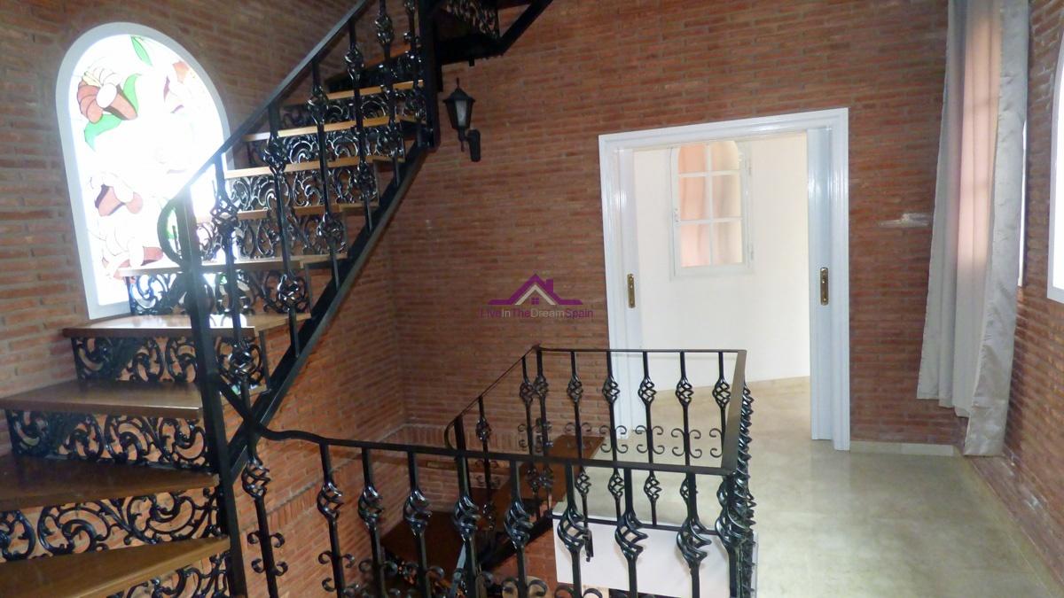 Villa, sale, Alhaurin el Grande, large plot, estate, gated community, large pool, 5 bedrooms 5 bathrooms en suite, opportunity
