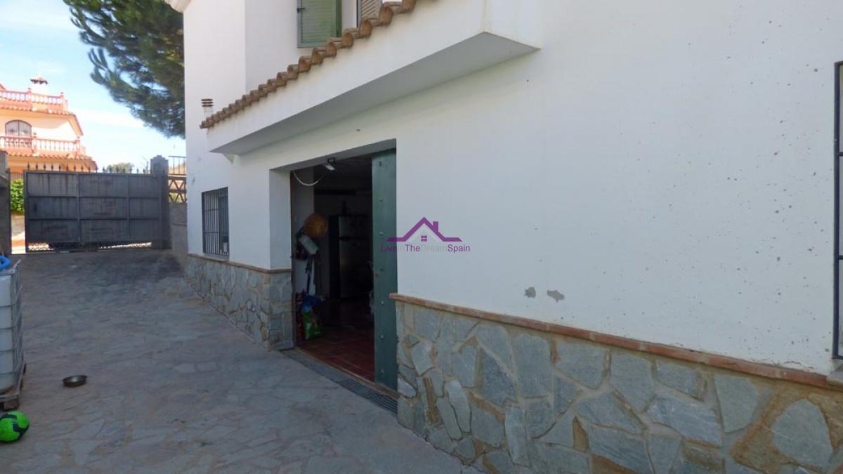 Calle Periodista D. Tomas Cuesta No 7, Casabermeja, Spain, 5 Bedrooms Bedrooms, ,2 BathroomsBathrooms,Villa,For sale,URB El Acaide,Calle Periodista D. Tomas Cuesta No 7,1184