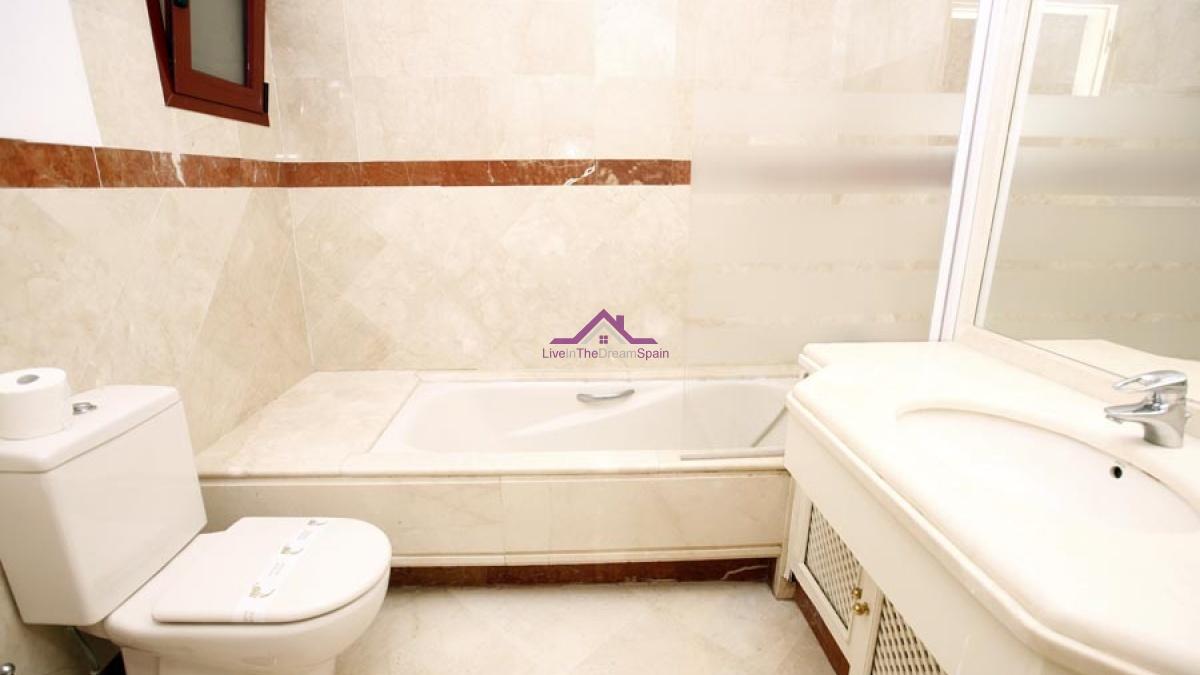 3 bedroom apartment, Elviria, for sale